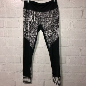 Zella striped leggings with Net details.  H27
